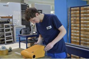 steinert Maschinenbau - beim Einrichten einer Maschine